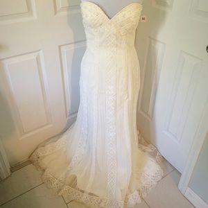 Euc Pronovias ivory lace mermaid wedding dress 10